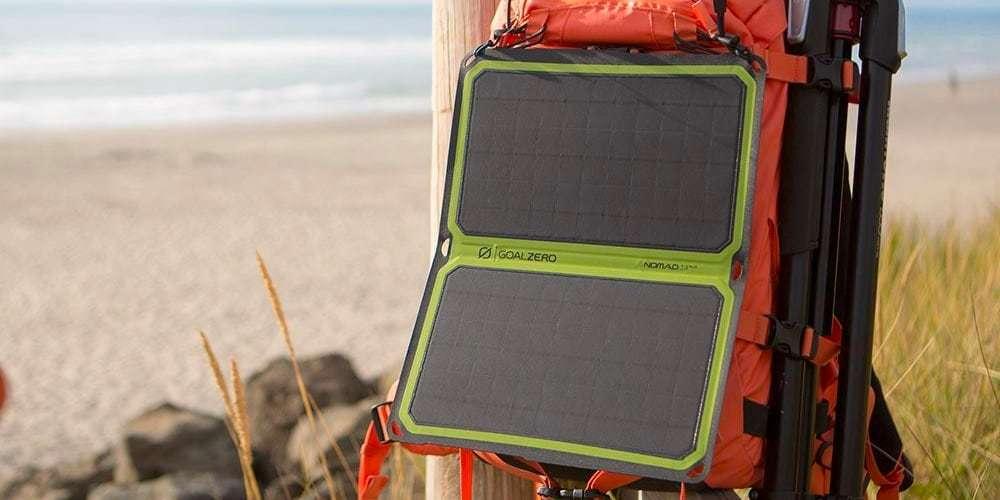Солнечная панель Goal Zero Nomad 14 Plus на рюкзаке