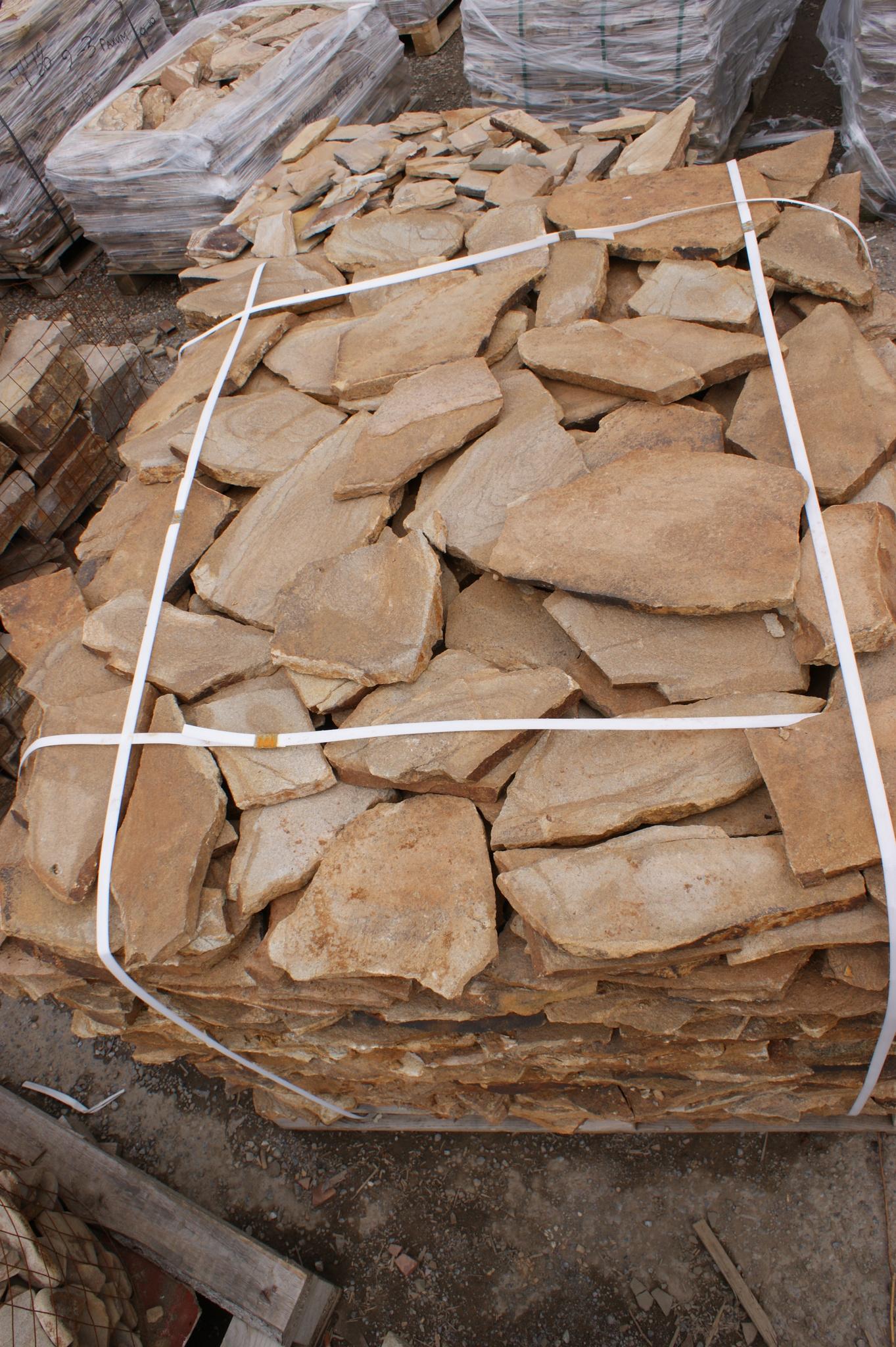 Песчаник плитняк Сосна на паллете