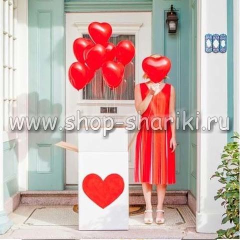коробка с шариками сердечками