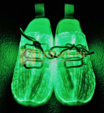Светящиеся кроссовки с USB зарядкой на шнурках, цвет белый, светится верх. Изображение 4 из 23.