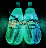 Светящиеся кроссовки с USB зарядкой на шнурках, цвет белый, светится верх. Изображение 7 из 23.
