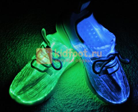 Светящиеся кроссовки с USB зарядкой на шнурках, цвет белый, светится верх. Изображение 1 из 23.