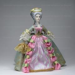 Кукла в костюме 18 века