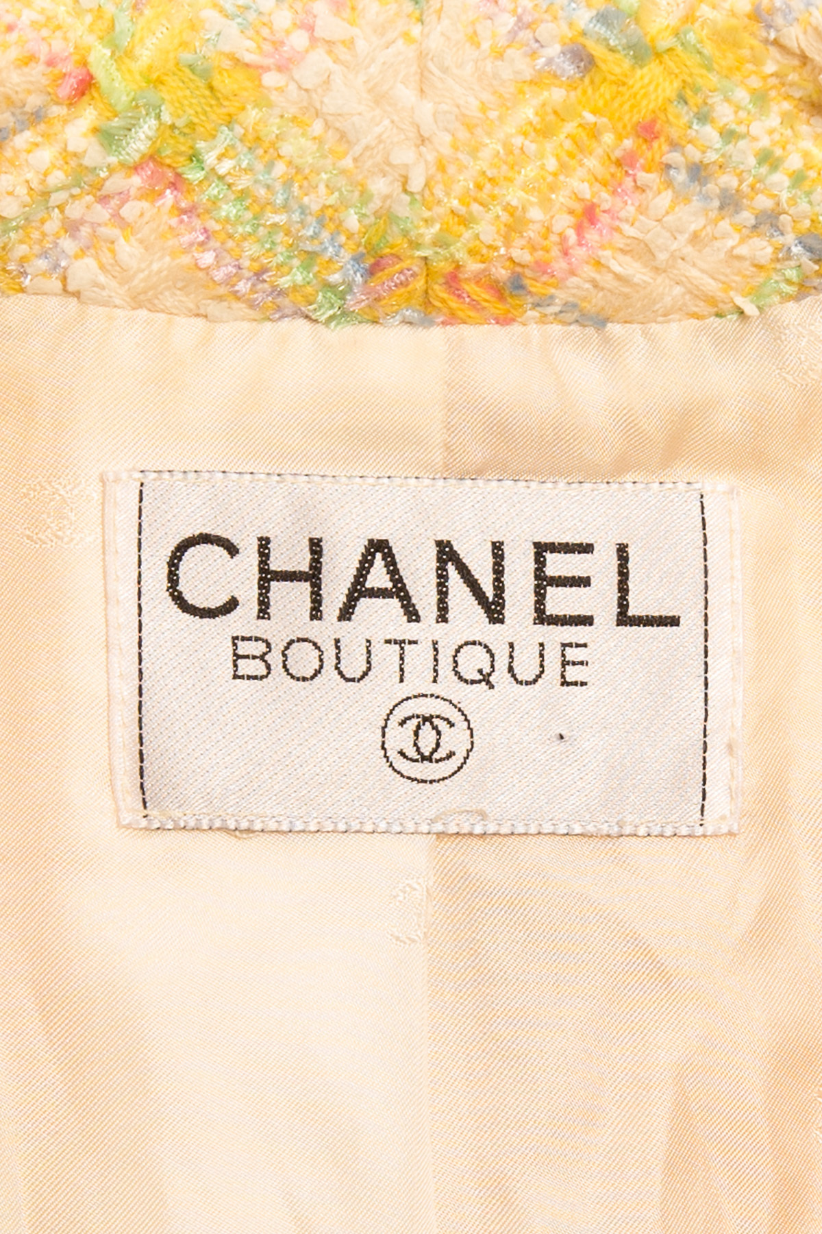 CHANEL SIGNATURE TWEED PLATED JACKET, SIZE 40 (M)