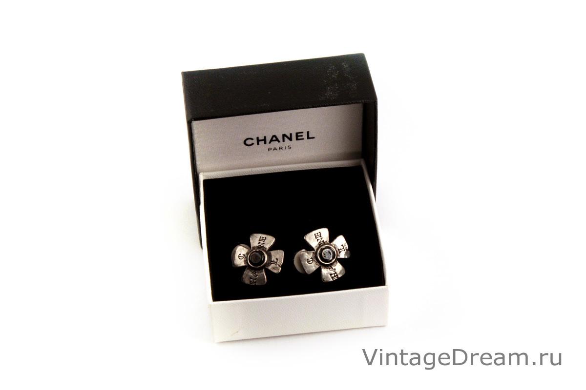 Изысканные клипсы от Chanel в виде мальтийских крестов
