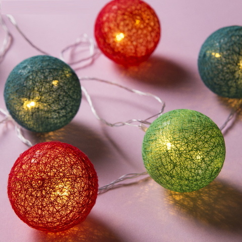Ночник гирлянда Клубки шарики красно-зелёные d-6 см, 5 м