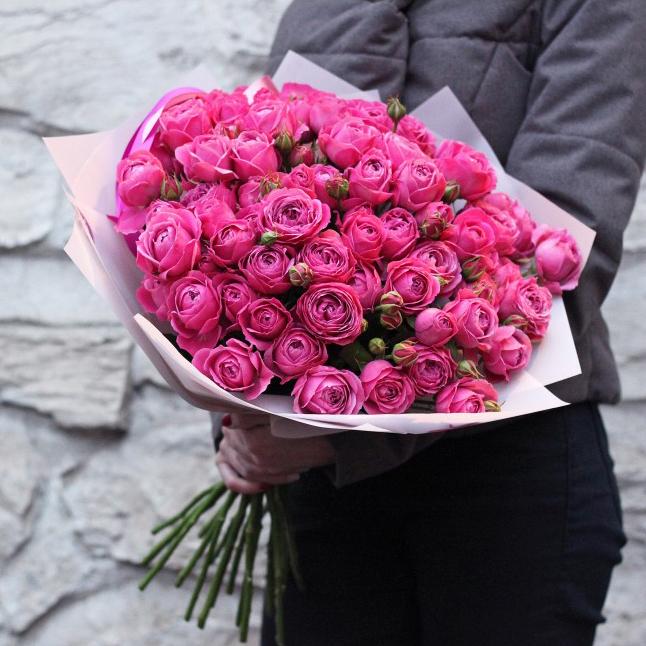 Букет кустовых пионовидных роз Мисти Баблс 19шт купить в Перми
