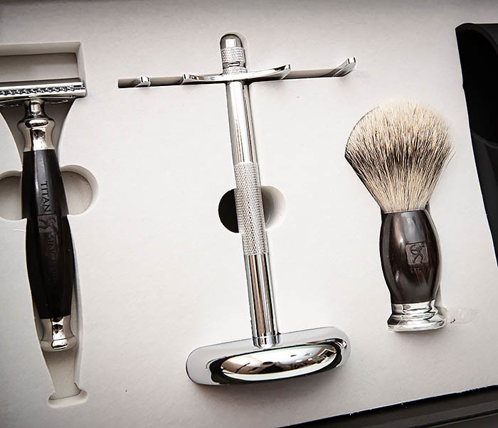 RAZ490 Подарочный набор для бритья «TITAN» с классическим станком фото 05