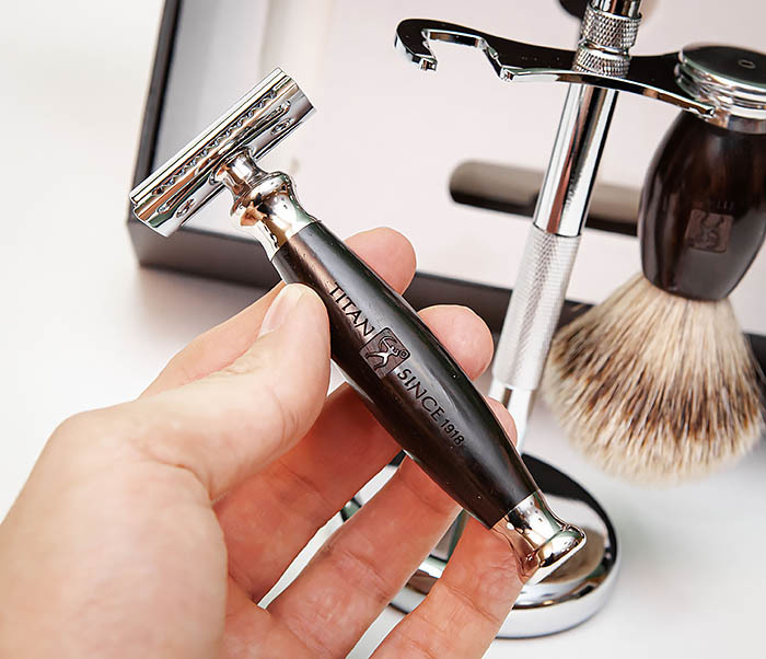 RAZ490 Подарочный набор для бритья «TITAN» с классическим станком фото 09
