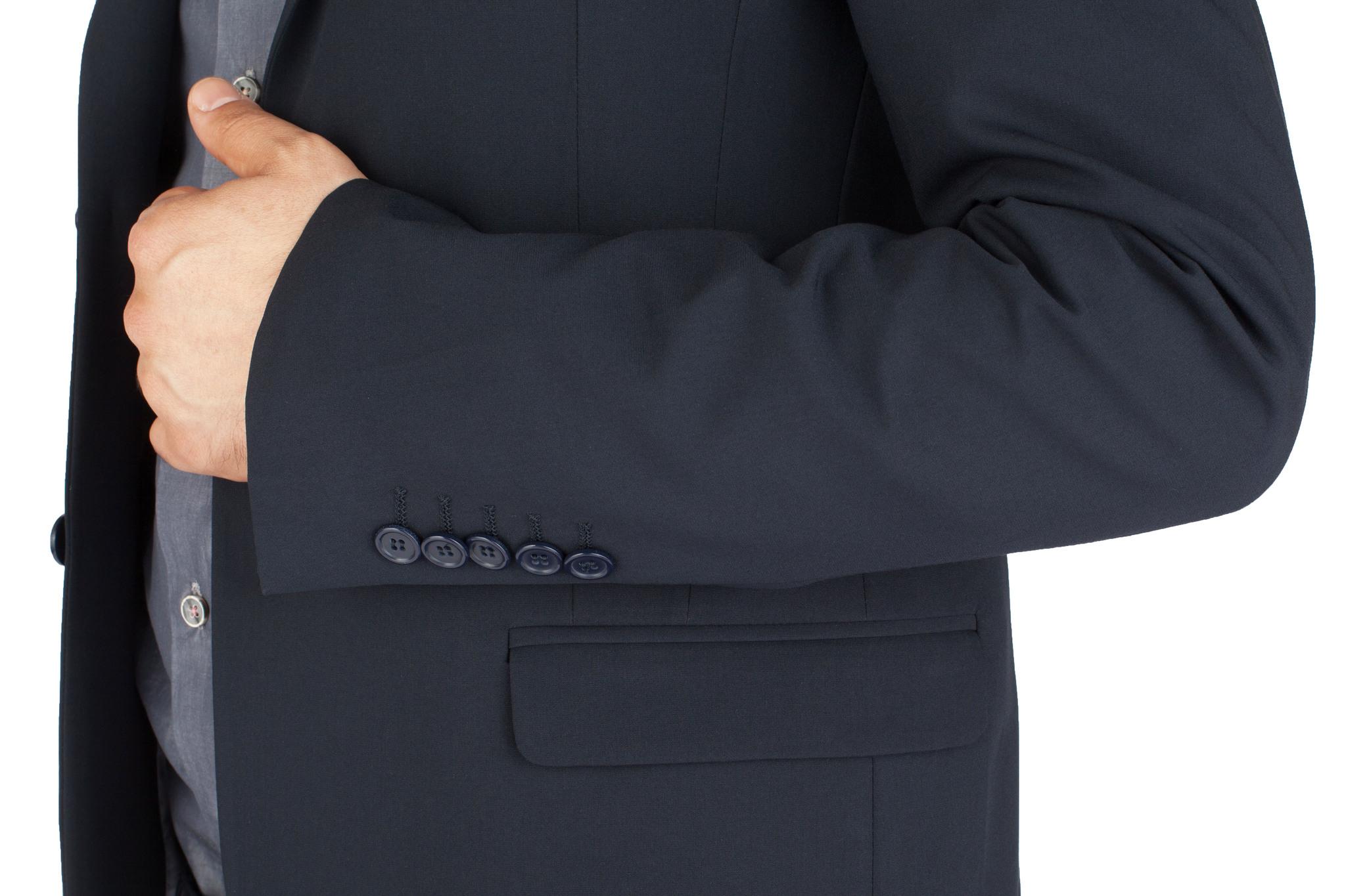 Тёмно-серый шерстяной костюм