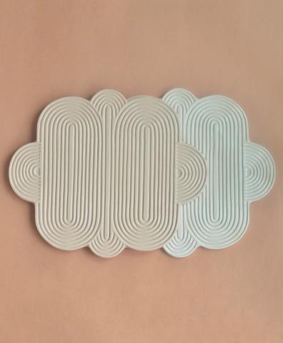 Сервировочная доска Облако в белом цвете