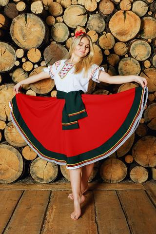 костюм Маков цвет в русском стиле