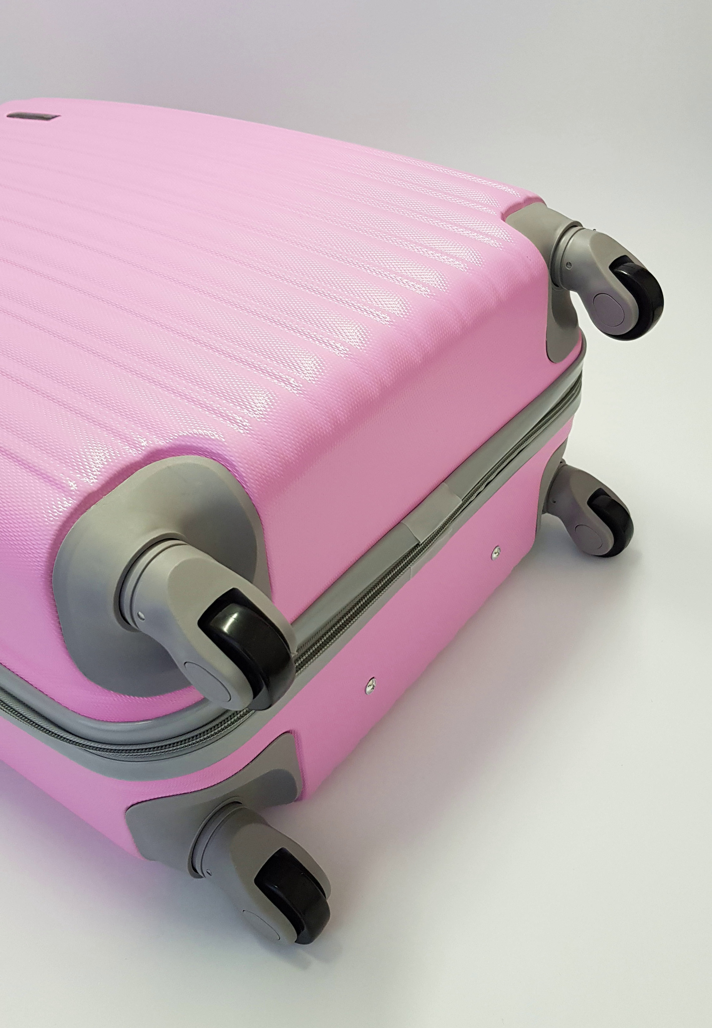 Чемодан Ananda APL-833 Розовый (M)