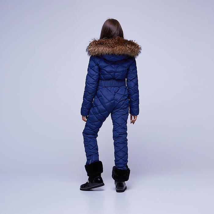Подростковый однотонный зимний комбинезон темно-синего цвета и съемной опушкой из натурального меха