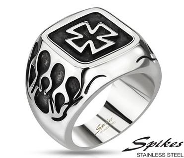 R-Q8036 Мужской перстень «Spikes» с крестом из ювелирной стали