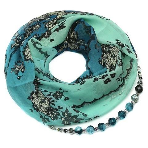 Шелковый шарф с ожерельем