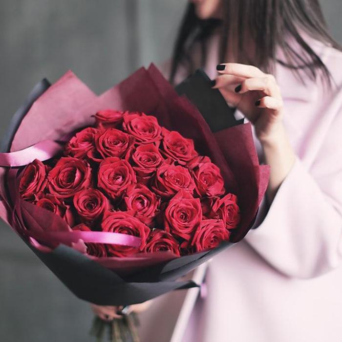 Купить букет 25 красных роз в Перми