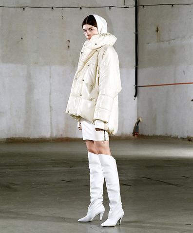Зимняя куртка Лола milk