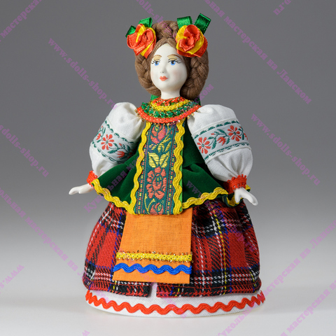 Сувенирная кукла в украинском костюме