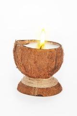 Свеча-эко ручной работы COCONUT в скорлупе кокоса с ванилью d8-10 h 9-12 см TM Aromatte