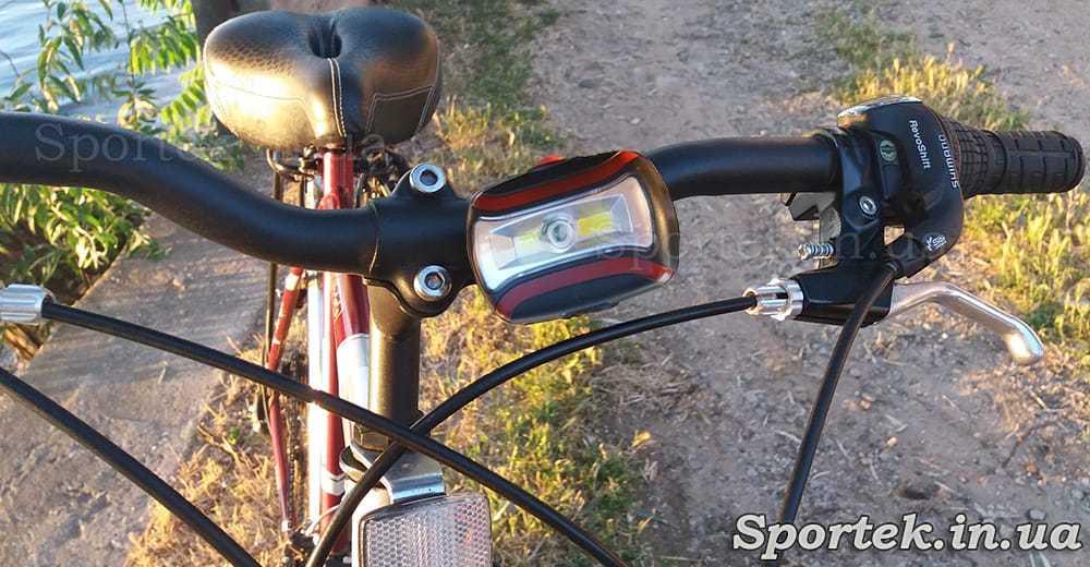Передний трехрежимный велосипедный фонарь (CH-2029) на руле велосипеда