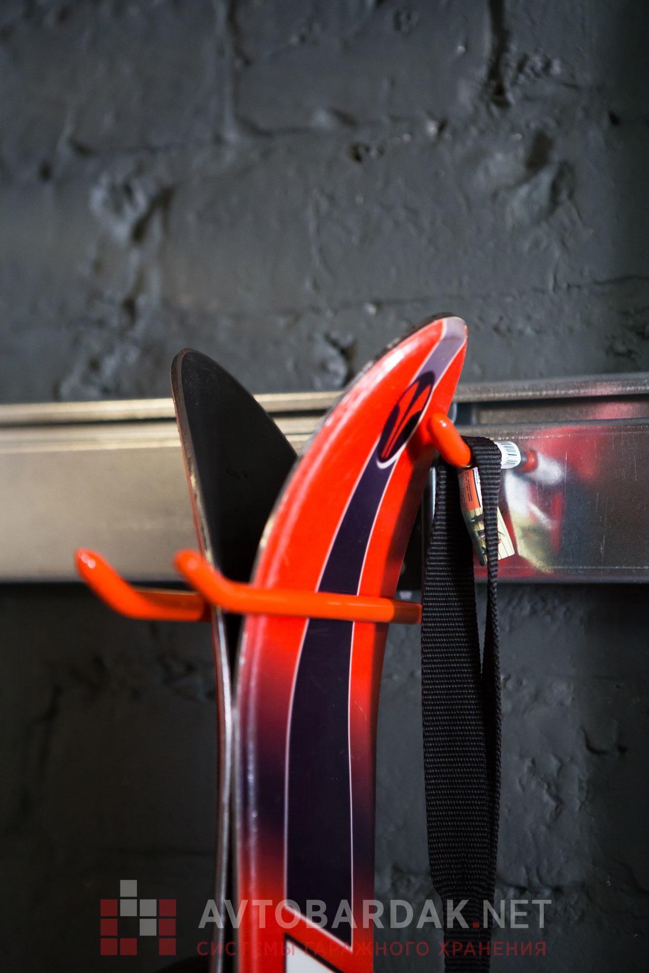 Рейлинг из оцинкованной стали, 1200 мм для инструментов и инвентаря (крепление к стене)