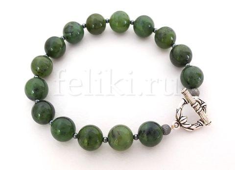 зеленый браслет из нефрита