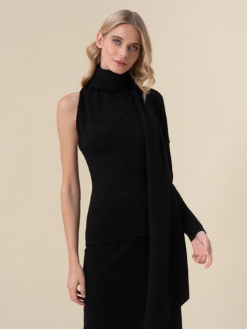 Женский джемпер черного цвета с открытым плечом и 100% кашемира - фото 2