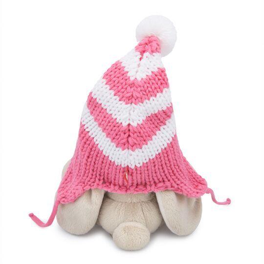 Зайка Ми в полосатой розовой шапке