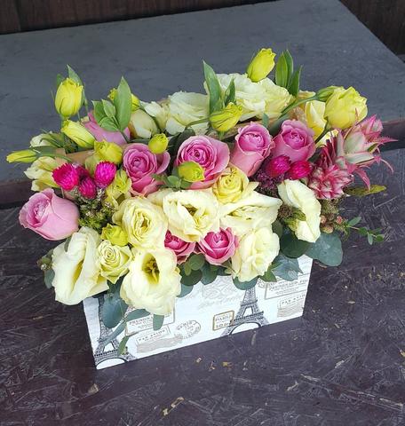 Ящик с цветами весенний 6