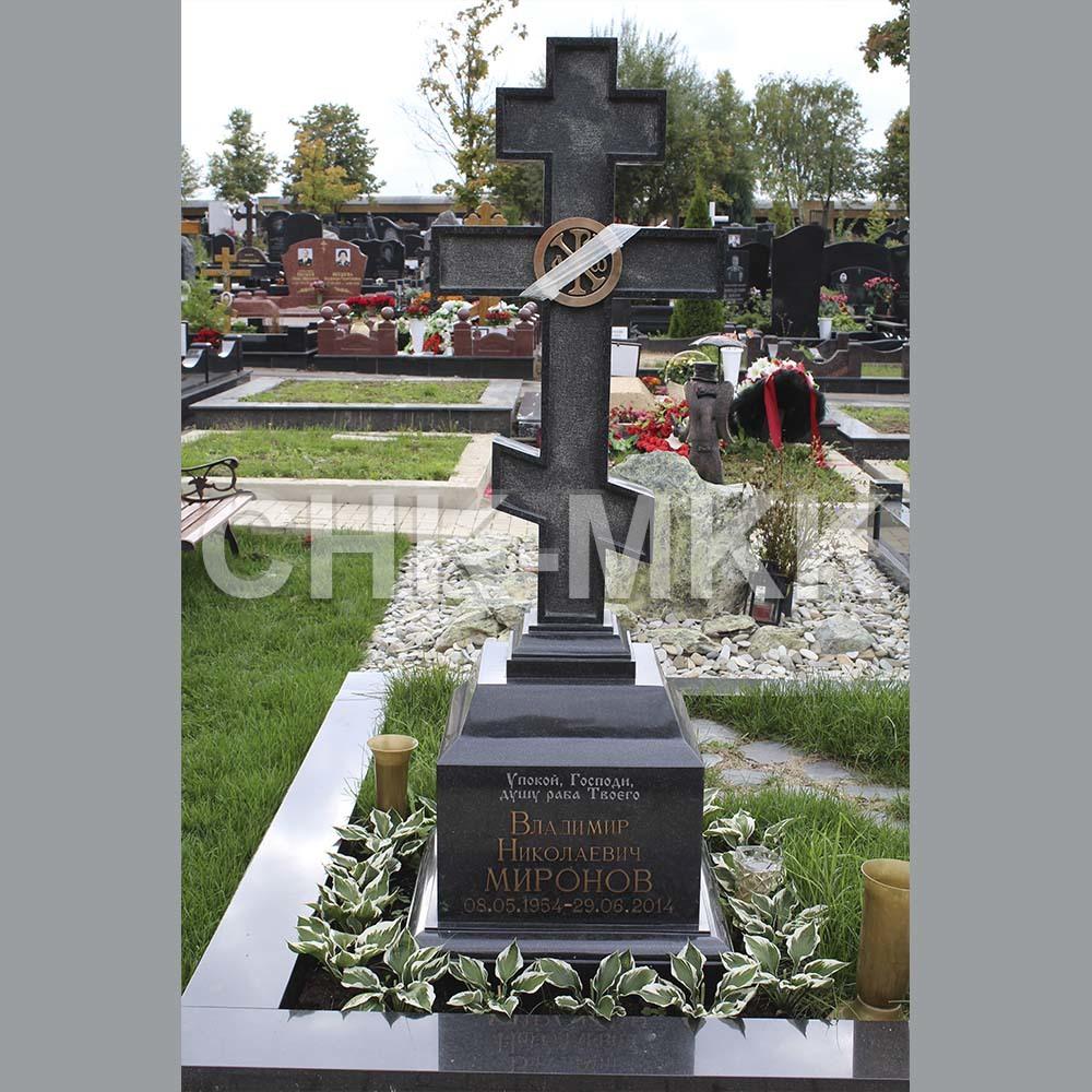 Гранитный крест №15