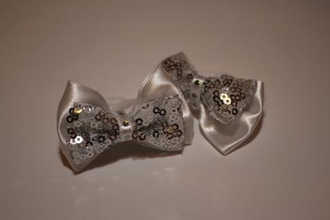 Бантик с пайетками маленький белый (арт.1003 бел)