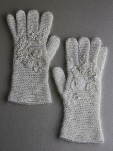 Перчатки из ангоры ручной работы