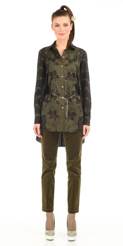 Фото удлиненная блузка с высокими разрезами по бокам и длинными рукавами - Блуза Г526-168 (1)