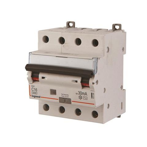 Дифференциальный автомат 4-полюсный 10kA RCBO C25/0,03А Legrand DX 07966