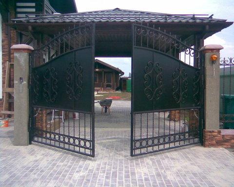 Распашные кованые ворота N-2