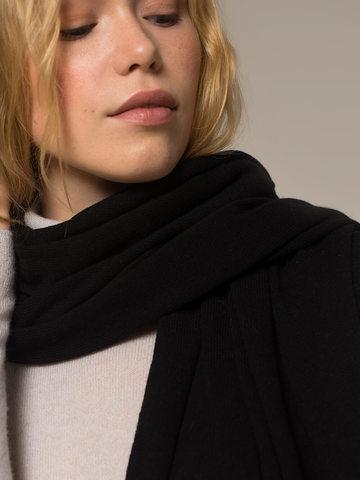Женский черный шарф - фото 2