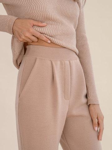 Женские брюки бежевого цвета из 100% шерсти - фото 6