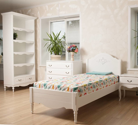 Белая кровать в стиле прованс фото