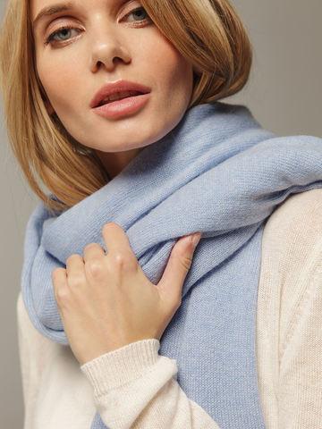 Женский шарф голубого цвета из 100% кашемира - фото 3