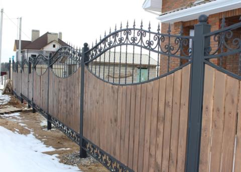 Ковано деревянный забор N-5