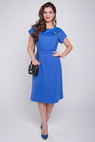 <p>Стильное платье из мягкого трикотажа - идеально подойдет в офис или на каждый день! Платье отрезное по линии талии с широкой резинкой. Рукав - кимоно, юбка - клёш. На груди очень красивая брошь. (Длины: 44-50= 103 см)&nbsp;</p>