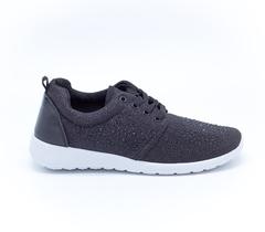 Черные кроссовки из текстиля на белой подошве