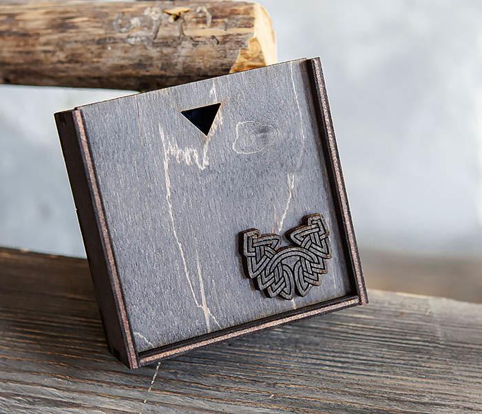 BOX232-1 Маленькая подарочная коробка для браслета (9,5*9,5*3,5 см) фото 02