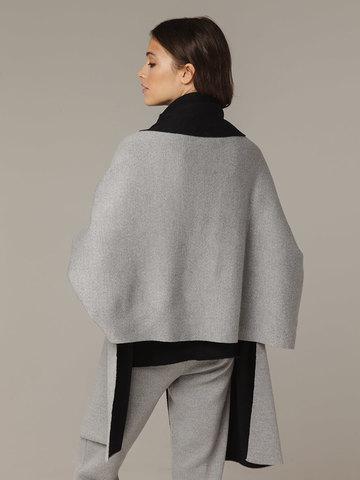 Женский шарф с рукавами и комбинацией серого и черного цветов из 100% шерсти - фото 3