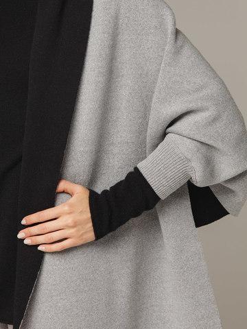 Женский шарф с рукавами и комбинацией серого и черного цветов из 100% шерсти - фото 2