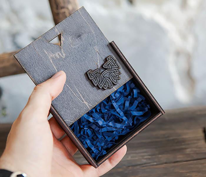 BOX232-1 Маленькая подарочная коробка для браслета (9,5*9,5*3,5 см)