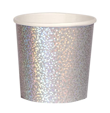 Стаканы сверкающие серебряные