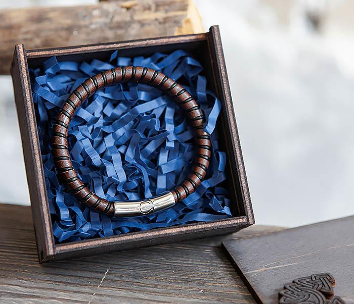 BOX232-1 Маленькая подарочная коробка для браслета (9,5*9,5*3,5 см) фото 11