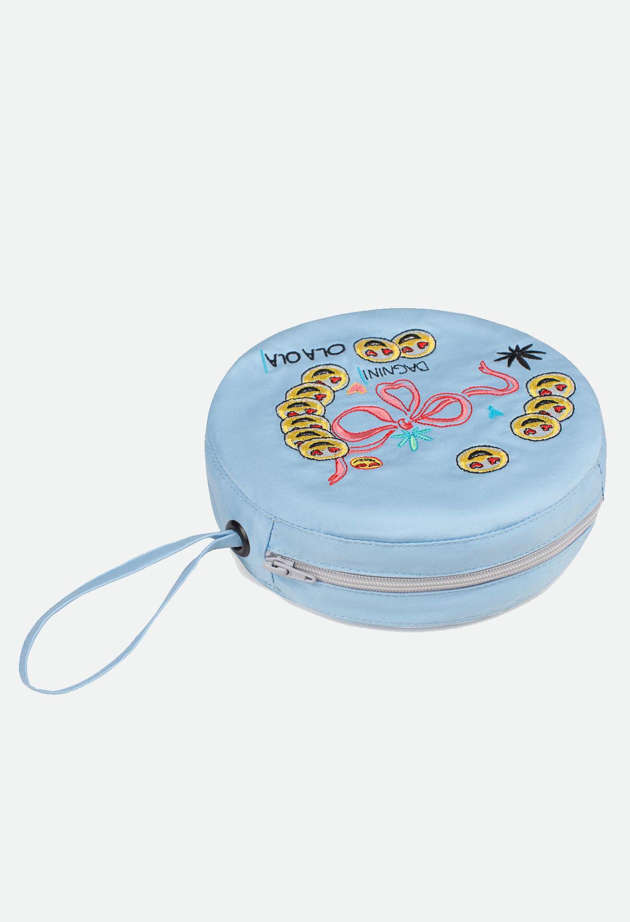 Круглая голубая сумочка с вышивкой смайл